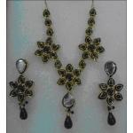 Kundan necklace sets. No.1.